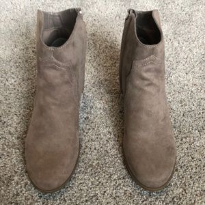 Brand new without box Carlos Santana booties